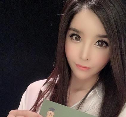 河莉秀离婚三年,揭露现状,揭露素颜美照,网友:是女大学生
