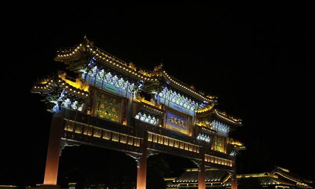 台儿庄古城,粉墙黛瓦小桥流水,游客:不比江南水乡差