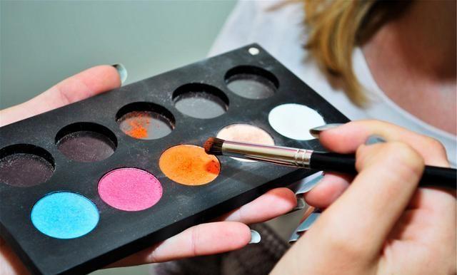 新手入门,正确的化妆步骤,很多人都做错了