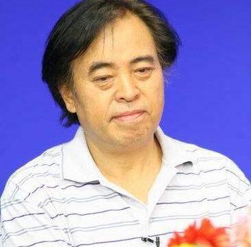 著名导演张绍林一行考察指导南宁市六六顺公司