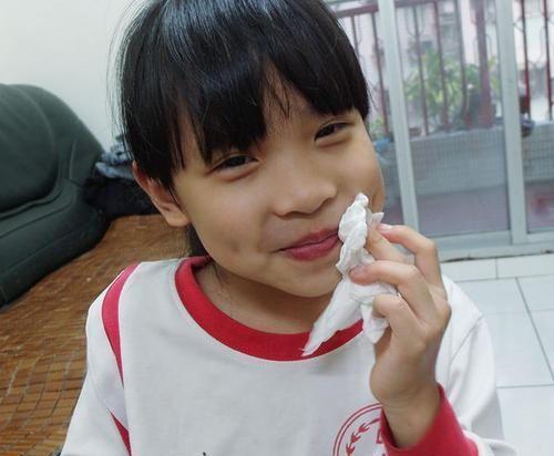 """央视曝光""""毒纸巾"""",不少孩子用来擦嘴,其实比""""拖布""""还要脏"""