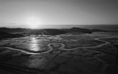 """全国融媒体摄影记者打卡 """"蓝色海湾·光绘沿浦""""摄影小镇"""