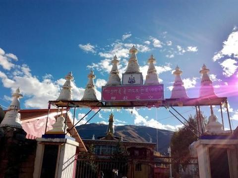 """呷拉觉空,康区的""""大昭寺"""",因为这里也供奉有佛陀十二岁等身像"""