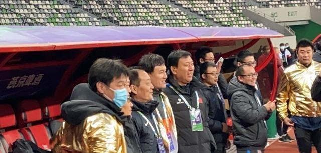 李霄鹏组建教练团队挂帅卓尔,不会任总经理,李金羽周海滨或复出