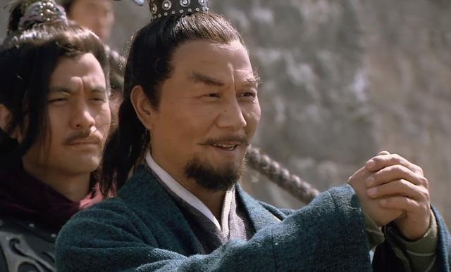 宋江为什么谎称栾廷玉死了?他的一句话,收拢了两个好汉的人心