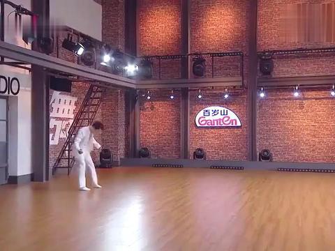 舞者:耿子博用现代舞诠释《将进酒》,惊艳舞姿惹观众尖叫:开门