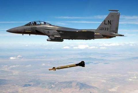 强国空军标配:不仅装备重型战斗机,同时也装备轻型战斗机