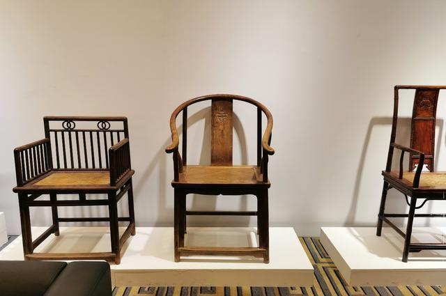 五接、独板、券口,选把黄花梨圈椅做主人椅