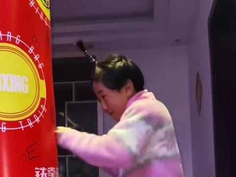 奥运冠军张小平发起拳速挑战火爆全网,明星踊跃参加大秀拳法
