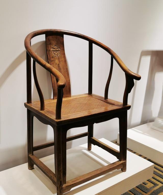 验材质、查修补,清螭寿纹圈椅是全黄花梨