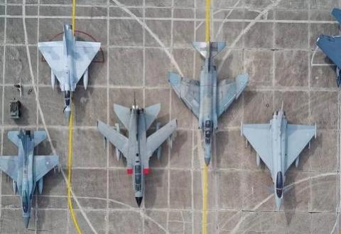 重型战机飞得快,火力猛,为何空军还要装备轻型战斗机?