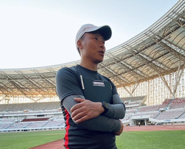 深足精英队主帅陈涛:助孩子们拿金牌才算金牌教练