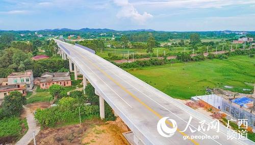 陆川清湖至浦北石埇公路建成通车
