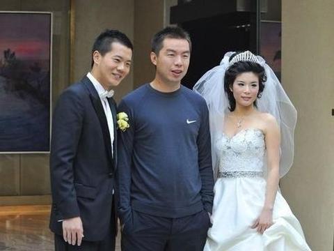 或遭恒大男足清洗,效力8年半,黄博文在恒大赚到多少薪水?