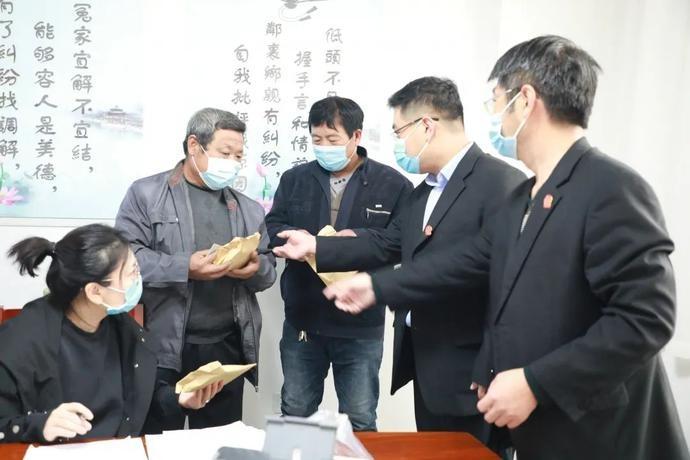 """中国法院网:迁安法院""""一站式""""建设让审判走上""""快车道"""""""