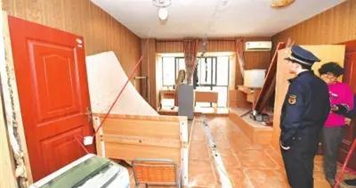 楼上建群租房 楼下漏水 二房东被要求限期整改到位