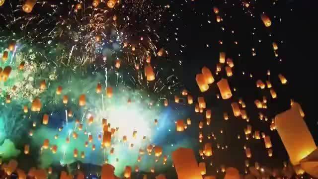 孔明灯许愿有多美! 所有的愿望都会在新的一年实现!!!🙏