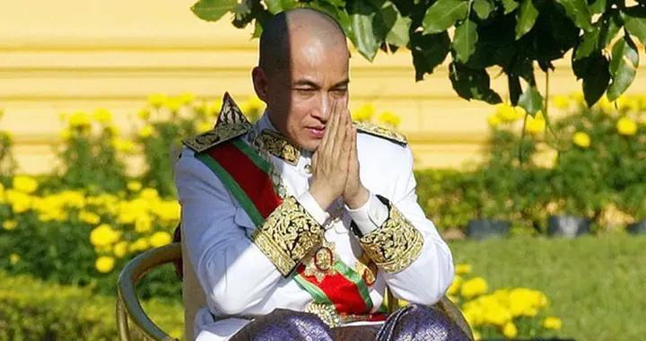 柬埔寨国王西哈莫尼佩戴的勋章,王室的荣耀,父亲多次对其改革