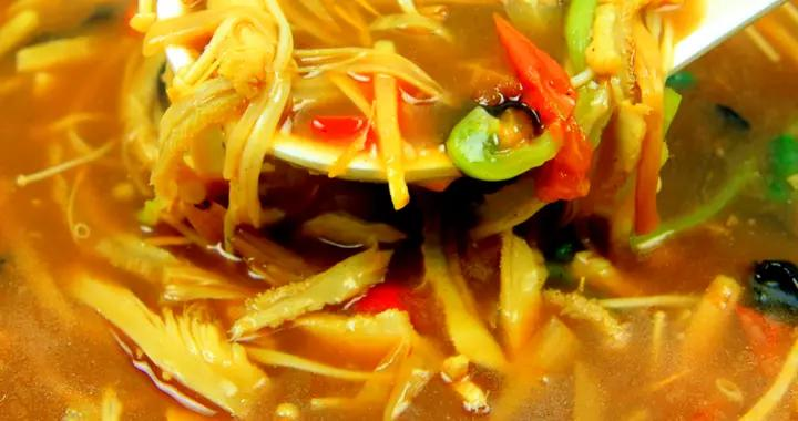 大厨教你天冷该喝什么,酸辣肚丝汤这样做,喝一碗滋补暖身又开胃
