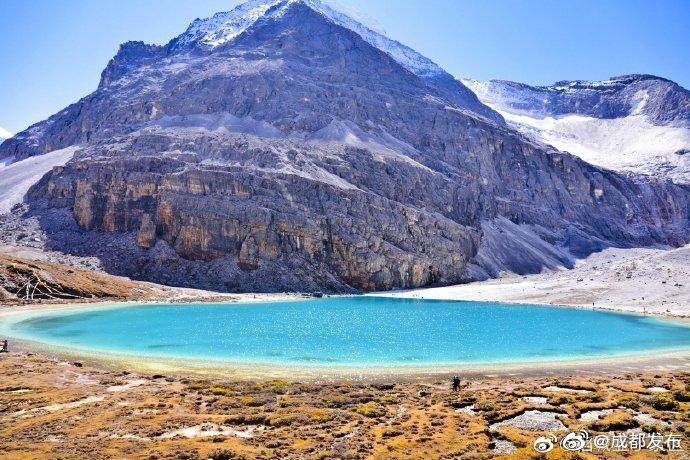 四川光雾山、稻城亚丁正式被确定为国家5A级旅游景区