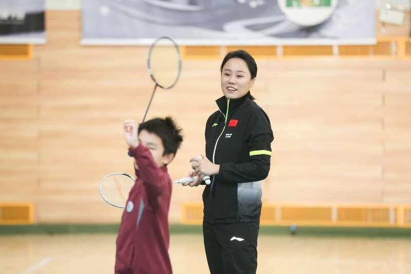 《一堂体育课》携手羽毛球奥运冠军赵芸蕾走入北京育翔小学
