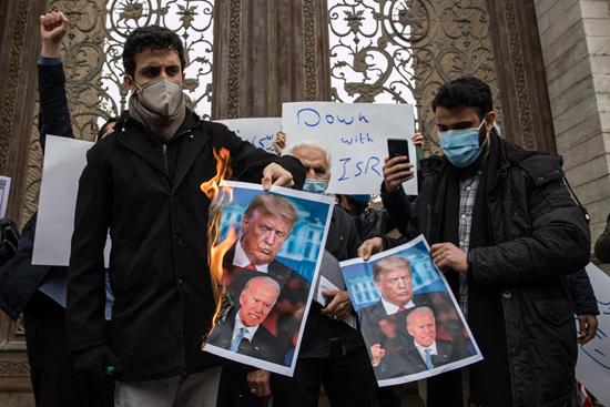 一年内连损两员上将 伊朗为何挑选忍