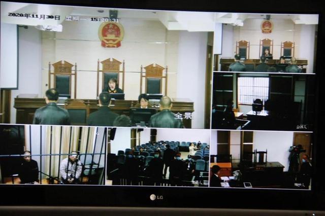 里山镇原四名村干部及志荣劳务队负责人非国家工作人员受贿罪一审宣判