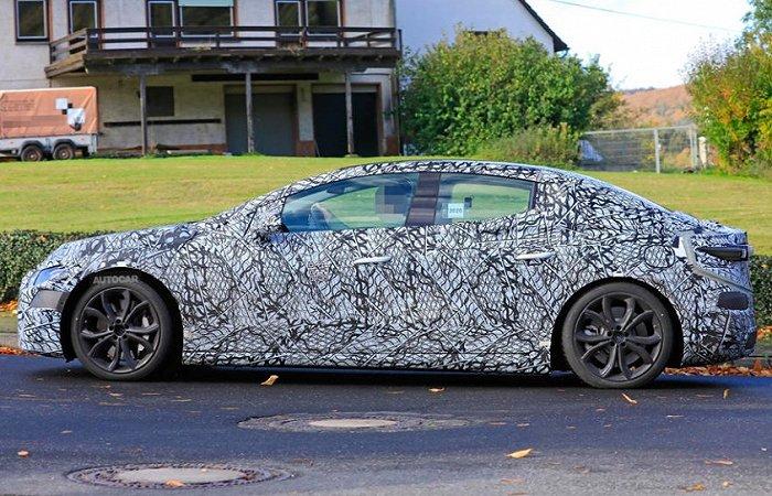 奔驰EQE谍照发布,未来将有AMG版本|新车
