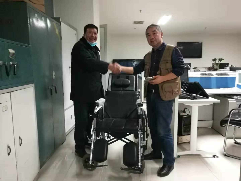 微心愿   爱心人士捐赠轮椅 榆中困难家庭实现微心愿