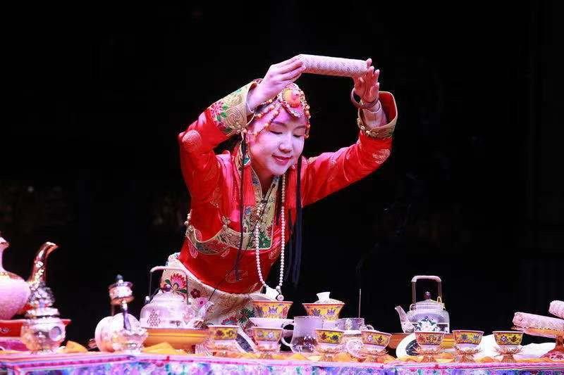 雅安雨城区带藏茶进蓉邀客,12月10日上里古镇年猪文化旅游节等你!