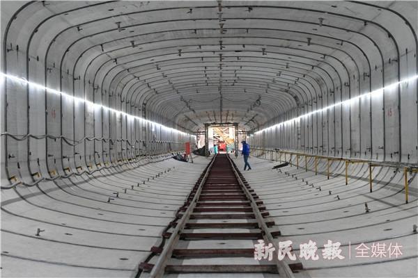 复杂地层中精准穿越 淞沪路-三门路下立交工程隧道主体结构基本贯通