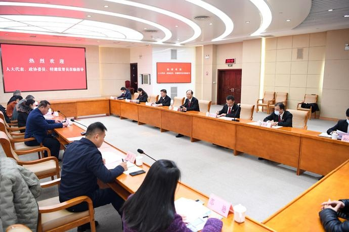 山东省法院举行员额法官宣誓和公众开放日活动