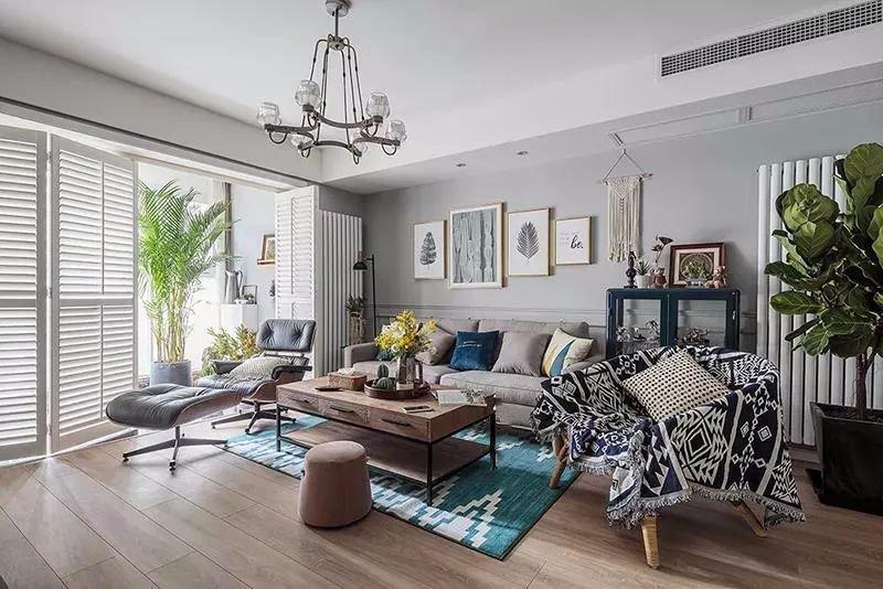 135平米的三居室,质感与时尚并存的美式风装修。