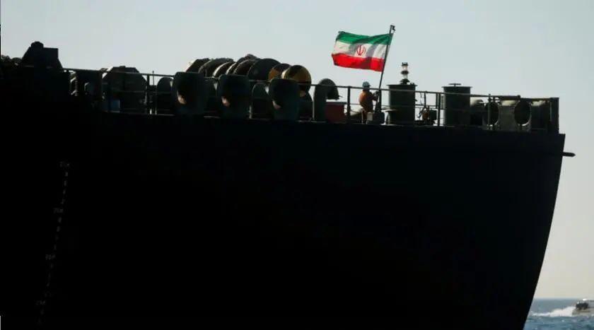 """""""伊朗史上最大油轮船队被派往委内瑞拉""""图片"""