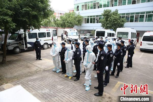 防城港东兴法院开庭审理跨国电信诈骗团伙
