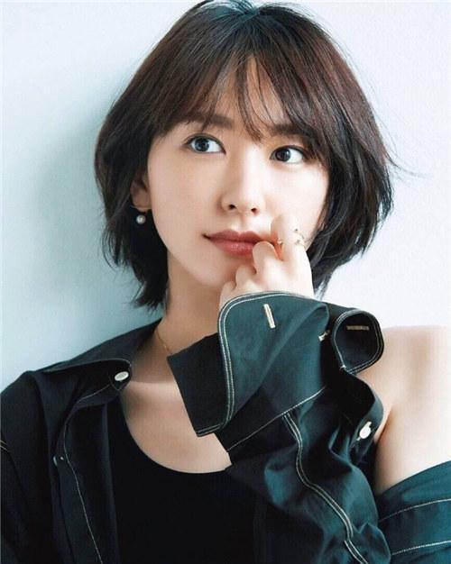 """潘妮妮:日本青年选的""""国民女神"""",为什么越来越亲和了?"""