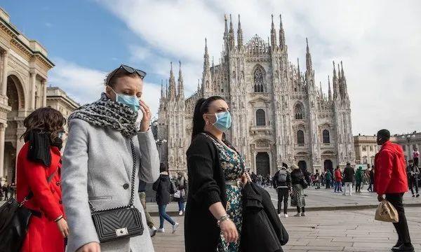 米兰大教堂关门,游人也戴上了口罩
