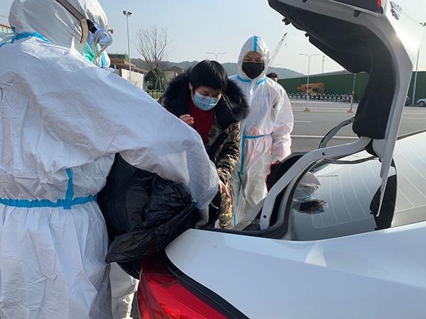 武汉江夏方舱医院正式休舱,564人没有一个转成重症患者图片