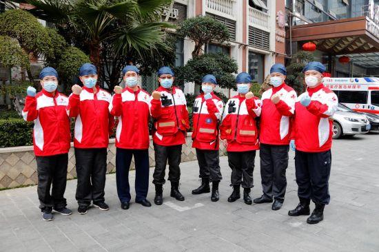 上海市红十字应急救援队30天武汉转运1885名新冠肺炎患者