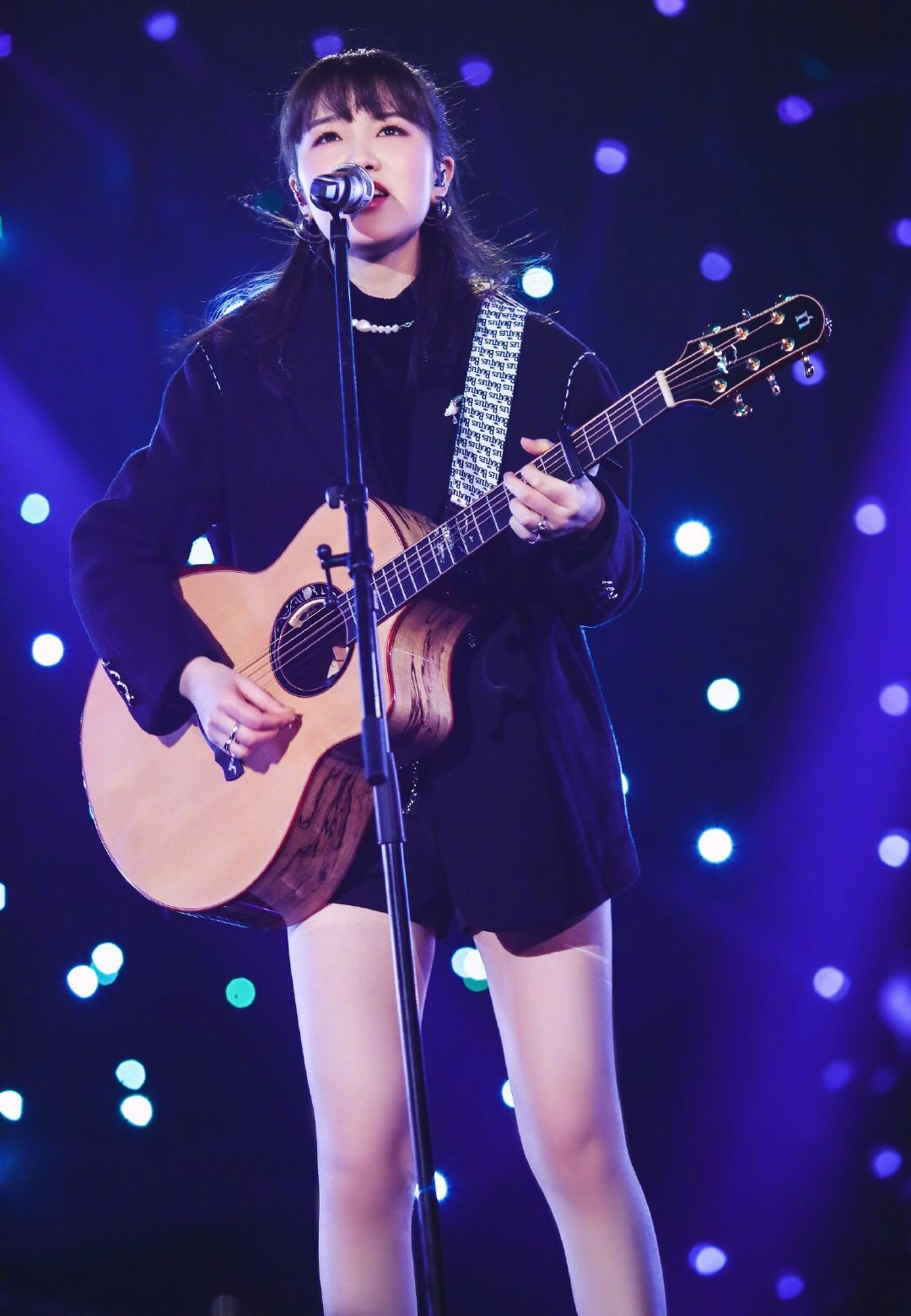 她在《歌手》唱出家庭争吵对孩子的伤害,歌一晚创作完成