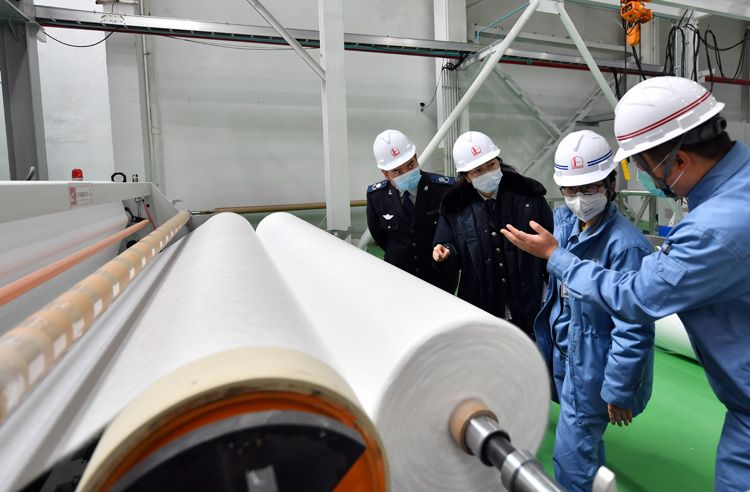 """""""特事特办"""" 助力燕山石化熔喷布项目10天交出生产线图片"""