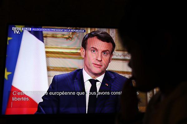 这是3月12日在法国巴黎拍摄的法国总统马克龙电视讲话的视频截图。新华社 图