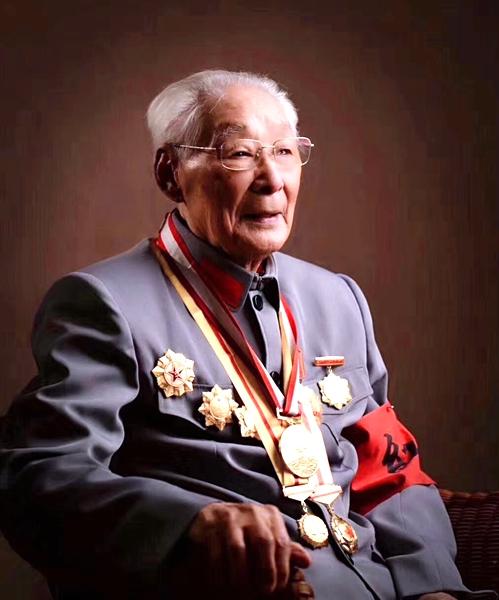 南邮首任院长、108岁老红军秦华礼辞世图片