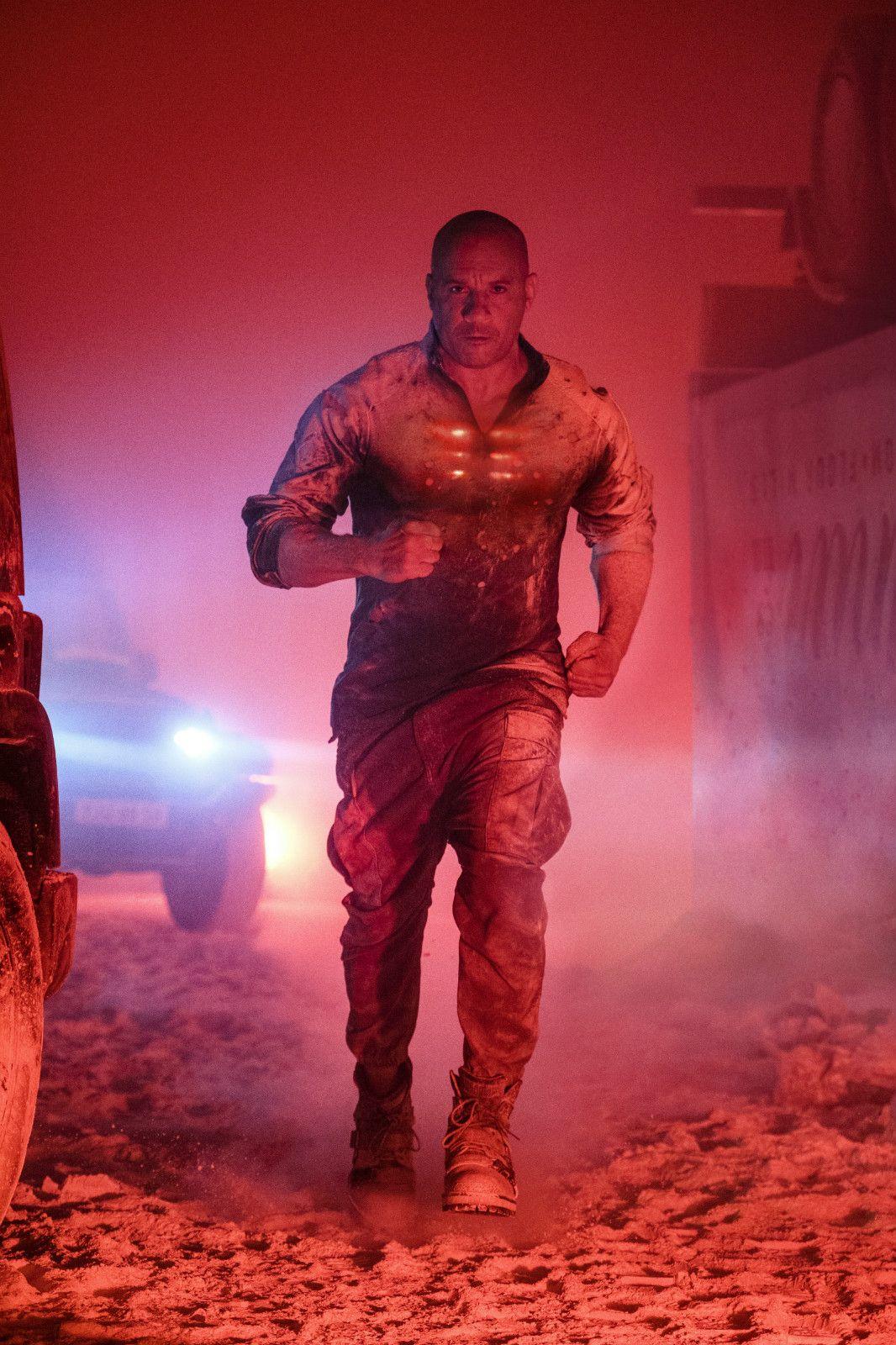 范·迪塞尔主演《喋血战士》夺得北美以外地区票冠图片