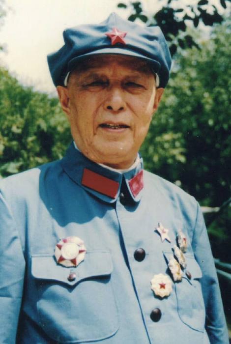 百岁解放军总医院原院长李其华逝世,外孙正在防疫一线奋战图片