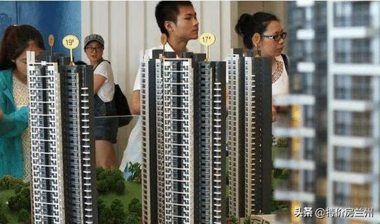 """开发商表叔酒后透露:买房做到""""3不买"""", 保证买到好楼层"""