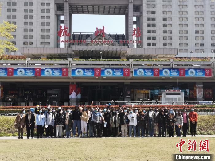 40名湖北艺考生返乡:再见,杭州;再见,中国美术学院