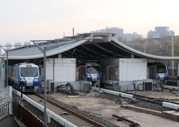 预备列车随时上阵 北京地铁日客流量恢复至疫情前20%图片