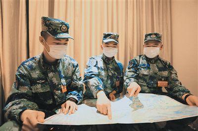 """驻鄂部队抗疫运力支援队的""""〇〇后""""官兵——奋斗的青春分外美"""