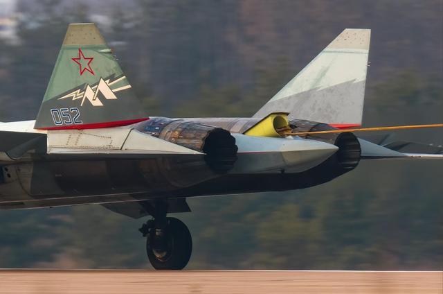 苏57换装新型发动机试飞!俄罗斯人:不设限,愿向歼20提供产品30
